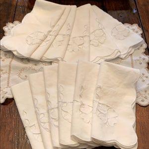 Set of 12 vintage napkins